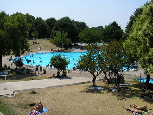 Belgrade tour, swimming pool Kosutnjak